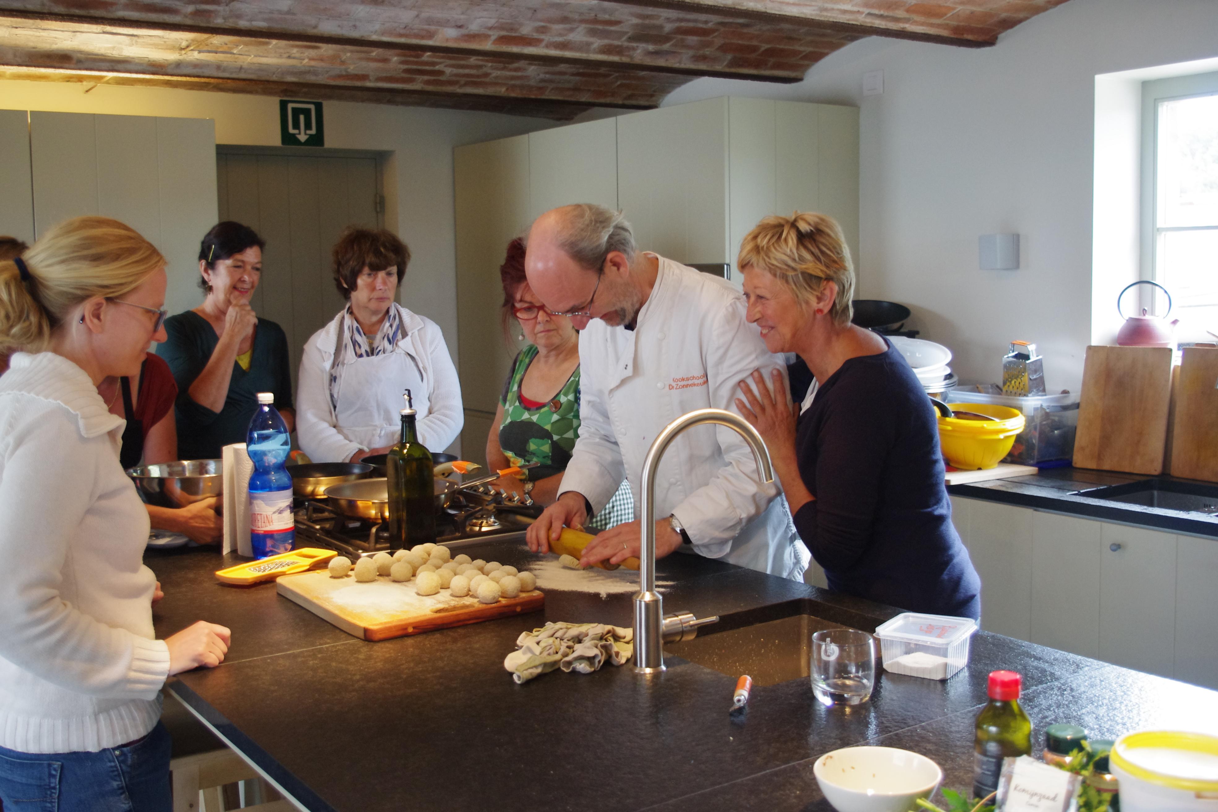 Vegetarisch koken met kruiden op de Kollbloem